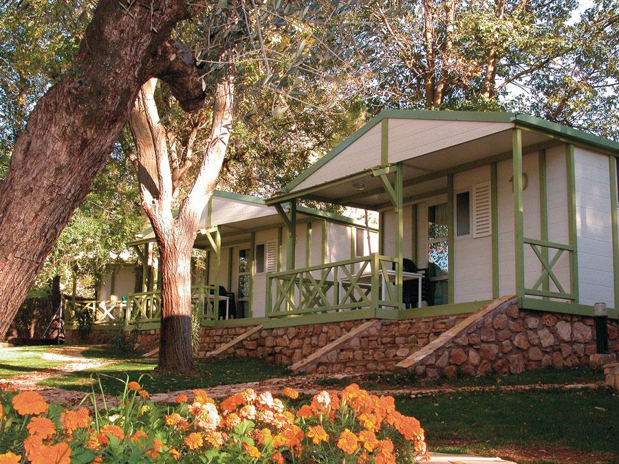 os-batanes-bungalows-2