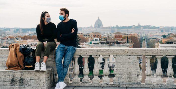 turista-roma-mascarilla